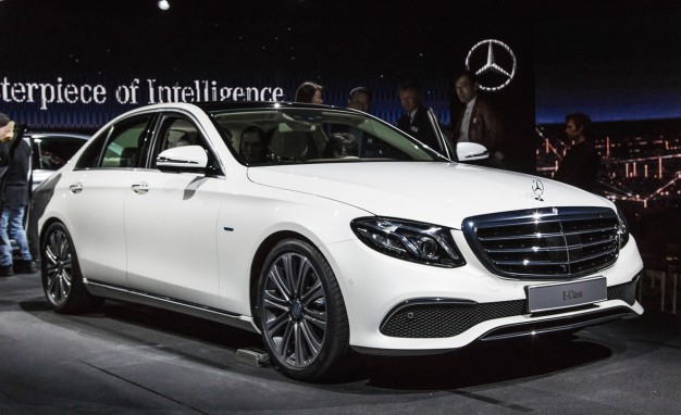 Mercedes-Benz Debuts New Four-Cylinder Diesel-media-3