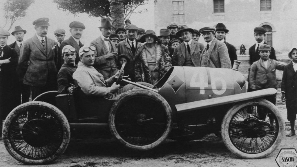 The Porsche story 3-media-1