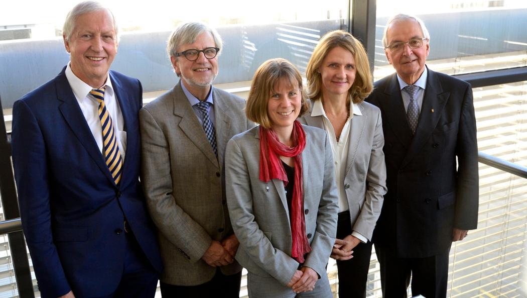 Prof. Dr. Maximilian Gege, Prof. Dr. Ortwin Renn, Dr. Sonja Peterson, Prof. Dr. Lucia A. Reisch, Prof. Dr. Dr. Klaus Töpfer, l-r, sustainability advisory committee, 2016, Porsche AG