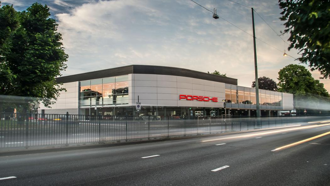 Porsche trade and service centre, Chiswick, 2016, Porsche AG